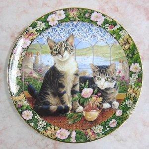画像2: 【レズリー・アン・アイボリー】猫の絵皿 Harry and Sheena in the Summer Window : Vintage