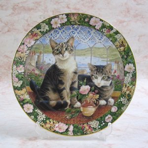画像1: 【レズリー・アン・アイボリー】猫の絵皿 Harry and Sheena in the Summer Window : Vintage